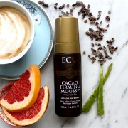 Eco Tan Cacao Firming Mousse met ingredienten