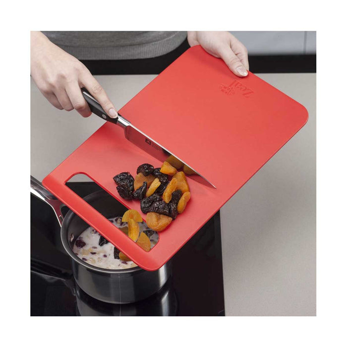 Zeal Chopping Board Straight to Pan Slip Large 32.5cm x 22cm - Image 3