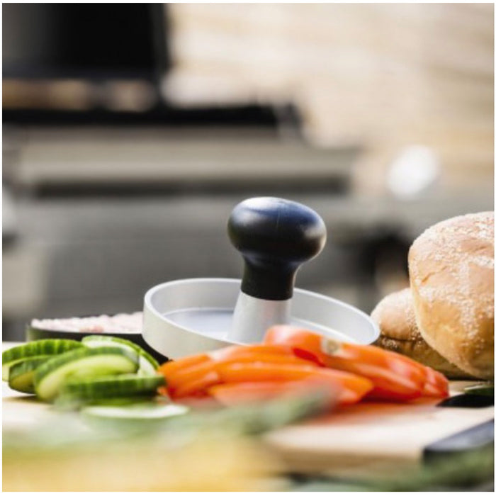 Sagaform BBQ Hamburger Press Aluminium Round 12cm Black - Image 3