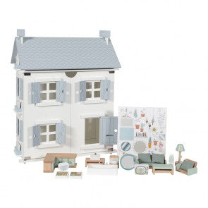 Dolls Houses and Dolls Play