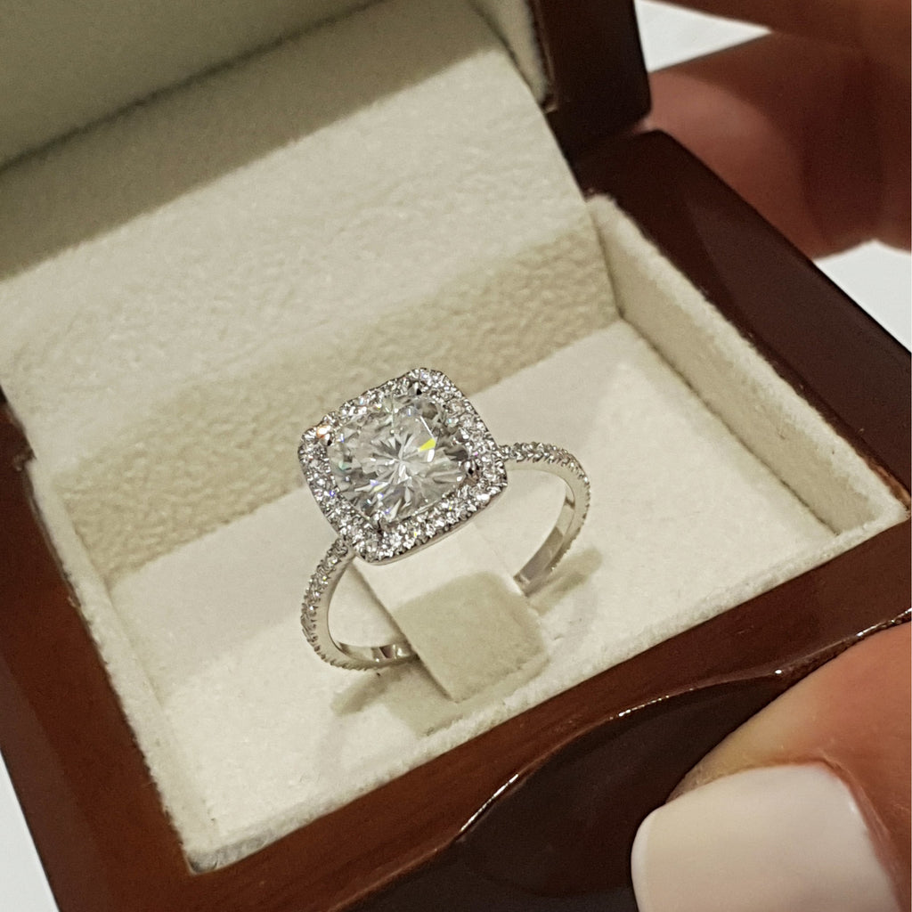 2 CARAT ROUND D VS Diamond Set in a Cushion STYLE HALO ENGAGEMENT RING - 14K WHITE GOLD