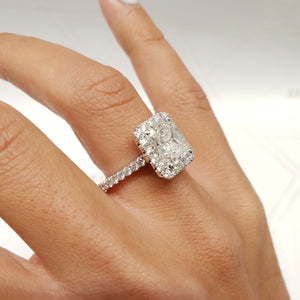 2.25 CARAT RADIANT SHAPED F COLOR VS2 CLARITY BEAUTIFUL DIAMOND ENGAGEMENT RING