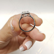 Load image into Gallery viewer, 2.25 CARAT RADIANT SHAPED F COLOR VS2 CLARITY BEAUTIFUL DIAMOND ENGAGEMENT RING