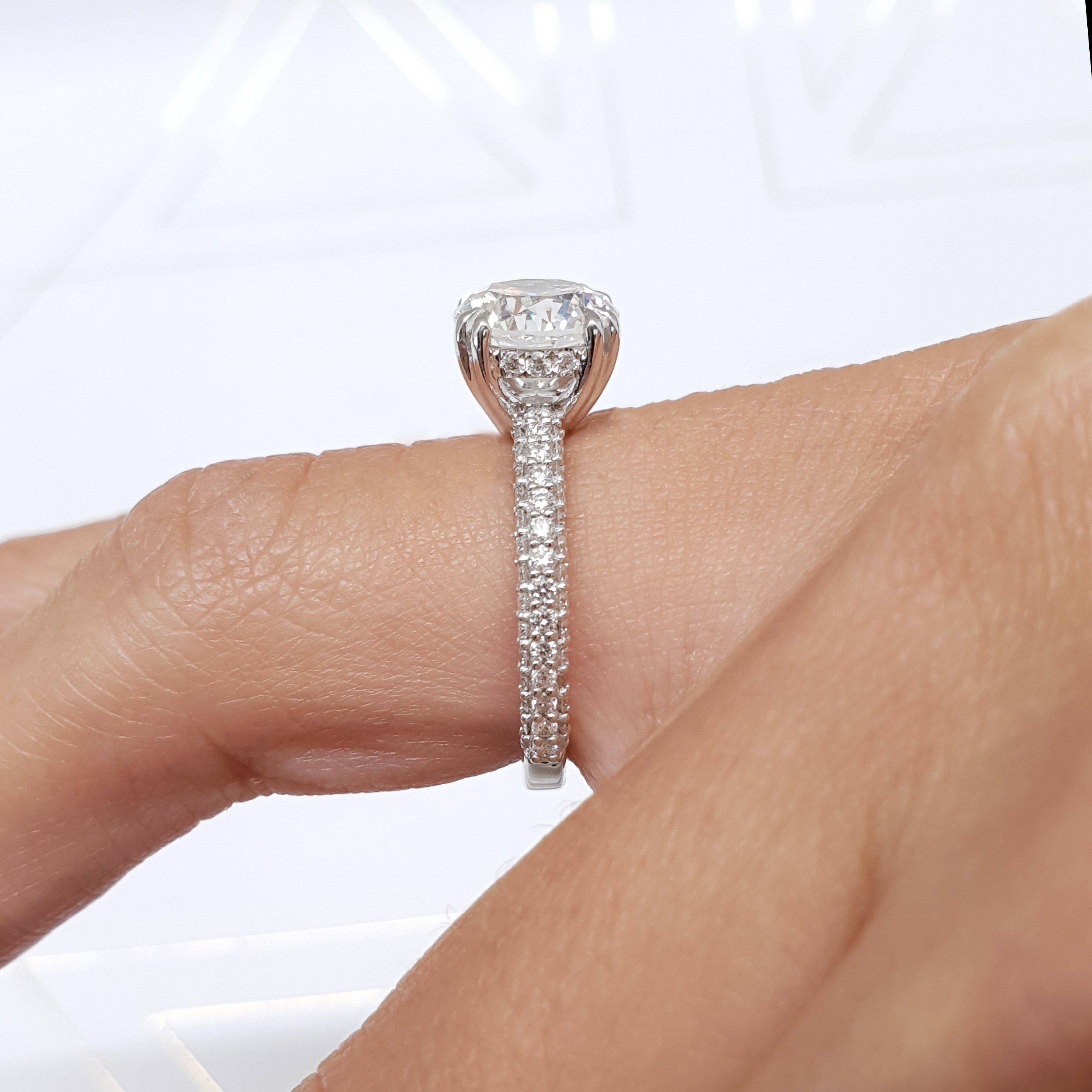 The Lorena Engagement Ring - 2.5 Carat E VS1 Round