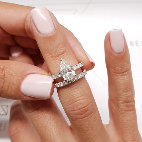 The Hailey Bridal Set - 2.5 CARAT DIAMOND ENGAGEMENT RING PEAR SHAPED F VS2 & MATCHING WEDDING BAND - 14K WHITE GOLD #J99201