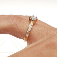 Load image into Gallery viewer, The Talia Engagement Ring  - 0.88 Carat Round Brilliant Cut - 14K Rose Gold Ring #J99213