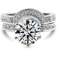 Load image into Gallery viewer, 2.5 CARAT F VS2 ROUND BRILLIANT CUT DIAMONDS SET IN PLATINUM MATCHING BRIDAL SET #J99932