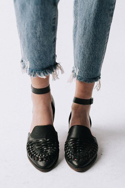 Woven Hollow Pointed Flats