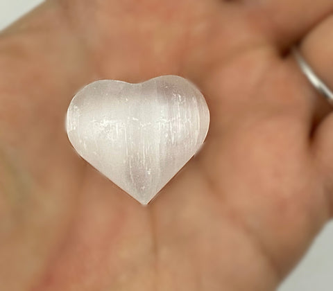 Selenite Heart - Crystal Healing - Perfect for protection from toxic energy & for spiritual connection - Approx. 6 Inches