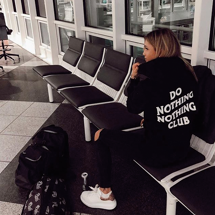 Do nothing nothing Club Hoodie in schwarz