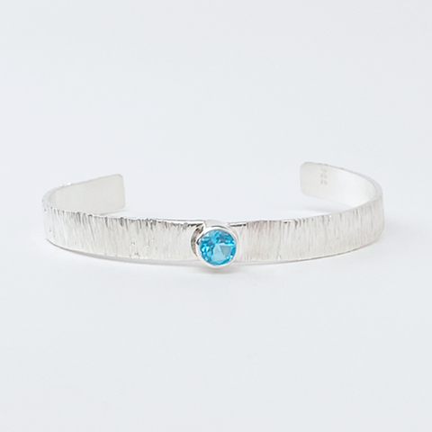 Traditional Sterling Silver Bracelet with Blue Topaz
