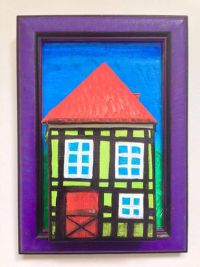 Green Nyhavn House in Purple Frame with Foot