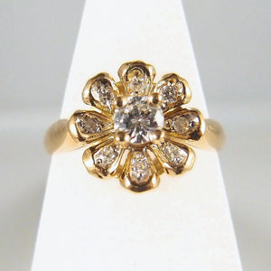 Splendid flower ring in 18K solid gold and diamonds Stamped French fine gold ring