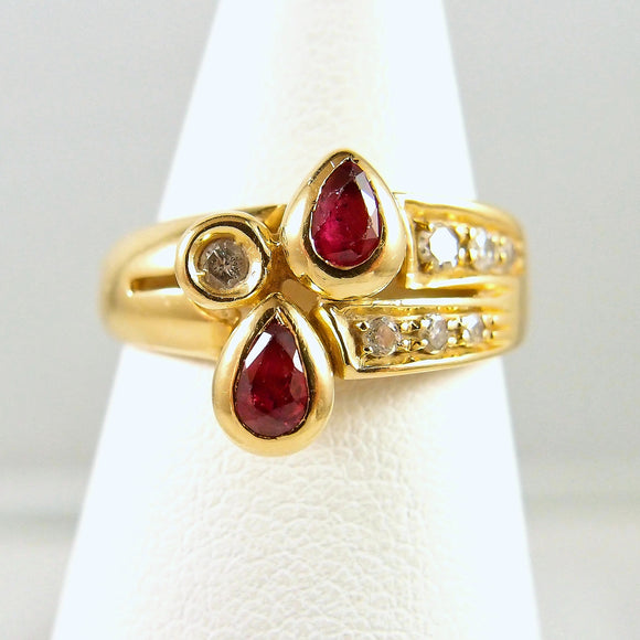18K solid gold ring with natural rubies and brilliant cut diamonds Stamped fine gold jewelry Vintage Déco band