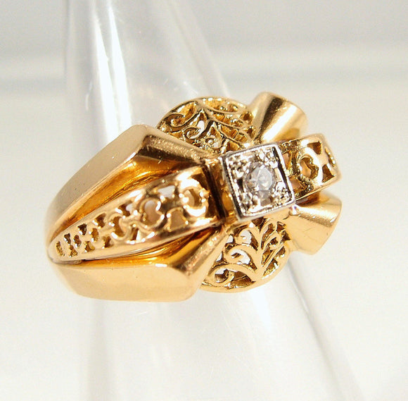 Beautiful ornate solid gold French ring with natural round cut diamond 18K stamped yellow and white gold fine jewelry