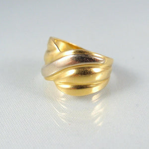 Quality craftsmanship on this wide 18K solid bicolor gold band Fine French gold ring Stamped 18 carat gold Vintage