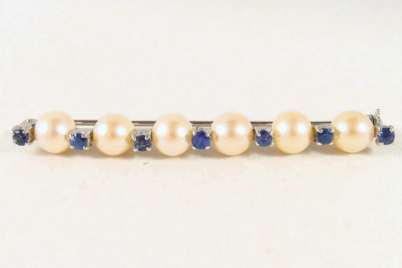 6 gorgeous pearls enhanced with 7 natural sapphires on an 18K solid gold bar brooch Edwardian fine stamped pin Perfect bridal jewelry