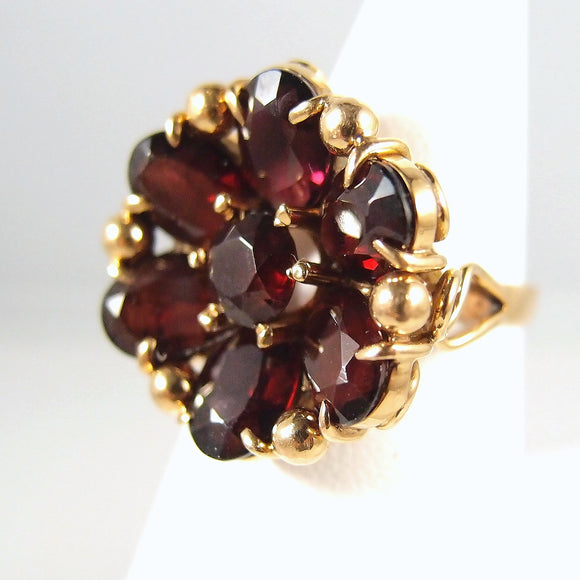 Rare antique 18K solid gold  garnet flower ring Heavy oval and round faceted garnets Stamped fine jewelry Late Victorian fine jewellery