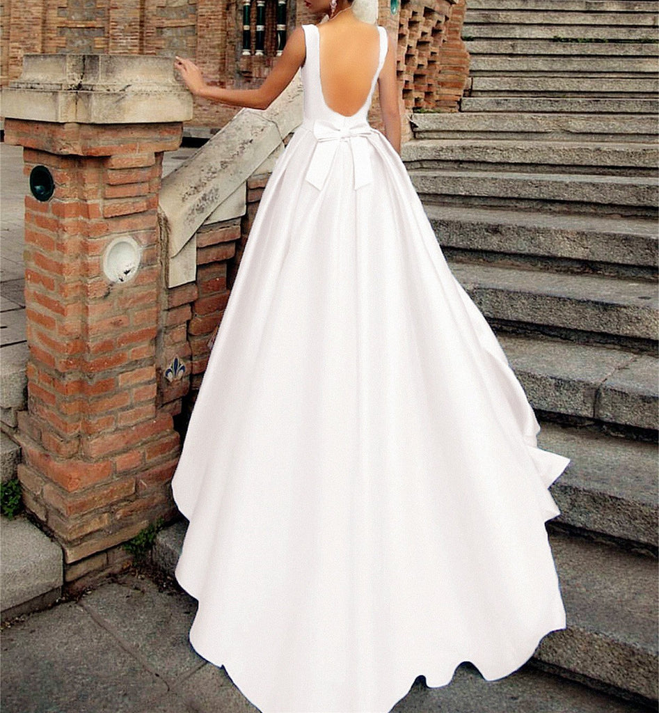 Vintage Scoop Neck Bow Back Satin Ball Gown Wedding Dresses