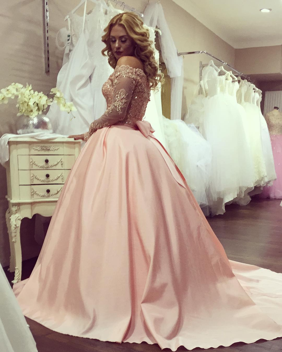Blush Pink Wedding Dresses Gold Lace Long Sleeves With Bow Back