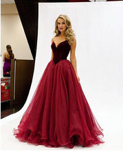 Afbeelding in Gallery-weergave laden, Burgundy-Ball-Gown-Dresses