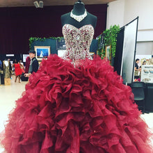 Afbeelding in Gallery-weergave laden, wine-red-quinceanera-dresses
