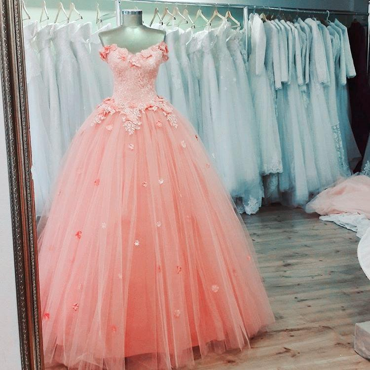 Charming Lace Appliques V Neck Pink Tulle Quinceanera Dresses 2017