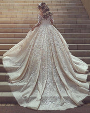 Afbeelding in Gallery-weergave laden, Vintage Long Sleeves Wedding Dresses Lace Embroidery 2017