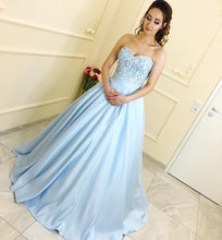 Load image into Gallery viewer, Lace Sweetheart Satin Ball Gowns Floor Length Evening Dresses