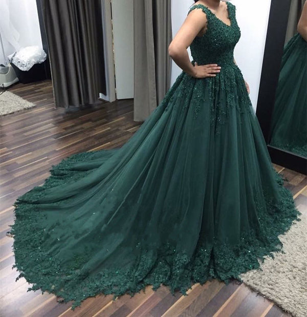 Elegant Lace Appliques V-neck Tulle Empire Prom Dresses Ball Gowns