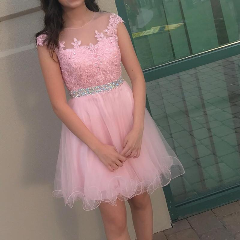 Pretty Lace Appliques Tulle Ruffles Homecoming Dresses Short