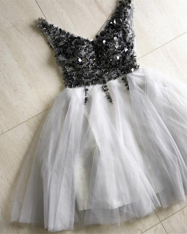 Image of Sparkly Sequins Beaded V-neck Tulle Prom Short Dresses