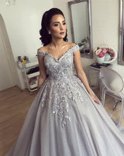 Afbeelding in Gallery-weergave laden, Silver-Wedding-Dresses-Ball-Gowns-For-Bridal-Party