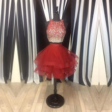 Afbeelding in Gallery-weergave laden, Two Piece Ruffles Ball Gown Homecoming Dresses With Ombre Sequins And Beaded