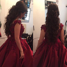 Afbeelding in Gallery-weergave laden, In Stock Burgundy Quinceanera Dresses Ball Gowns Lace V-neck Off Shoulder