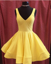 Afbeelding in Gallery-weergave laden, Yellow Homecoming Dresses 2019
