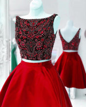 Afbeelding in Gallery-weergave laden, Red-Cocktail-Dresses-Luxury-Crystal-Beaded-Homecoming-Party-Dress