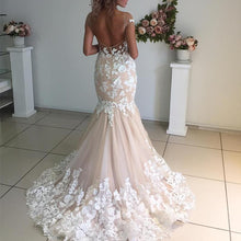 Afbeelding in Gallery-weergave laden, Ivory Lace Appliques Champagne Mermaid Wedding Dresses Open Back