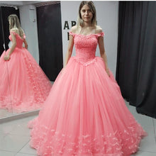 Afbeelding in Gallery-weergave laden, Off Shoulder Tulle Ball Gown Quinceanera Dresses Lace Appliques