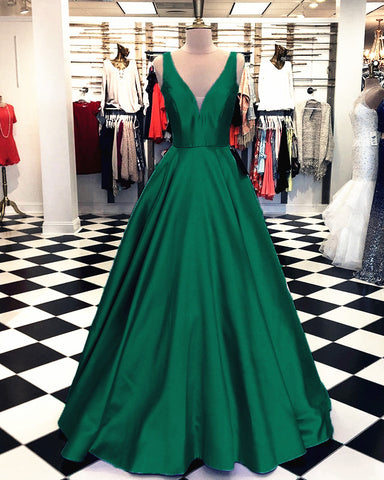 Image of Emerald-Green-Dresses-Evening
