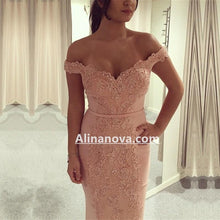 Afbeelding in Gallery-weergave laden, Off Shoulder Pink Mermaid Prom Evening Dresses Lace Appliques