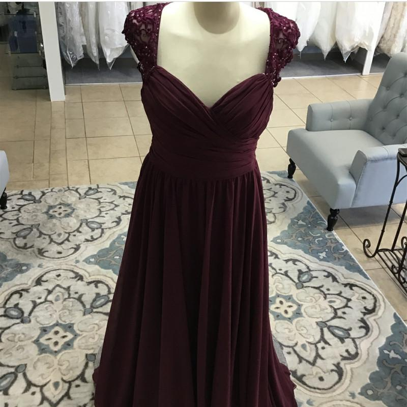 Elegant Long Chiffon Backless Bridesmaid Dresses Lace Cap Sleeves