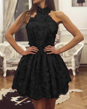 Afbeelding in Gallery-weergave laden, Black Lace Homecoming Dresses Halter