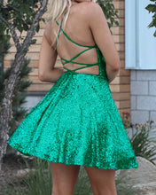 Afbeelding in Gallery-weergave laden, Green Sequin Homecoming Dresses 2019