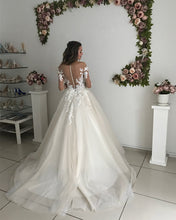 Load image into Gallery viewer, Wedding-Dresses-Vintage