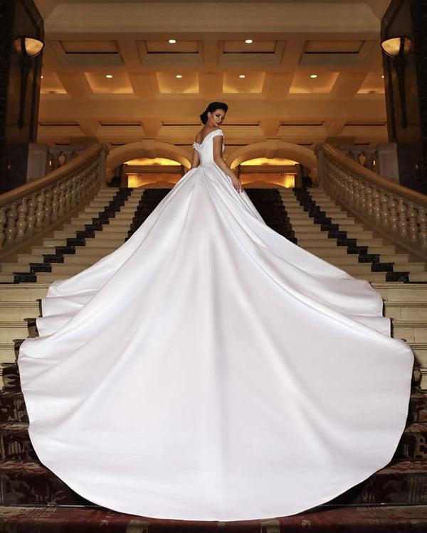 Long-Train-Wedding-Gowns-Puffy-Bride-Dress