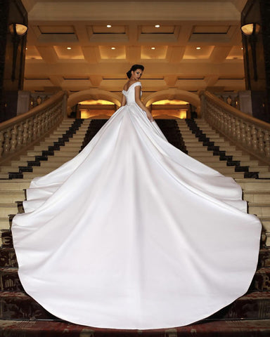 Image of Long-Train-Wedding-Gowns-Puffy-Bride-Dress