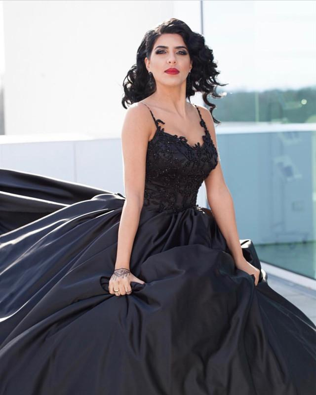 Black Lace Embroidery V-neck Satin Ball Gowns Wedding Dresses