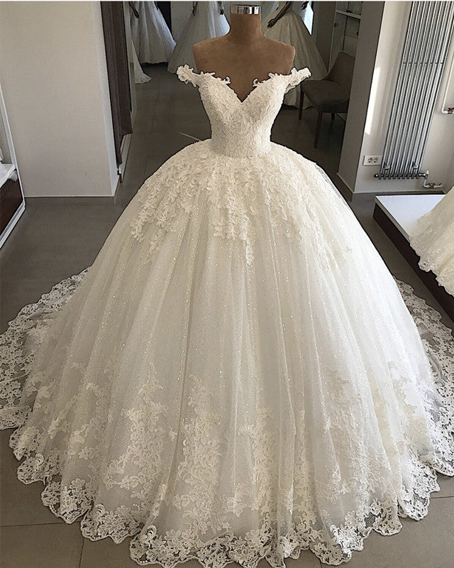 Vintage Pearl Beaded Tulle Ballgown Wedding Dresses Lace Edge