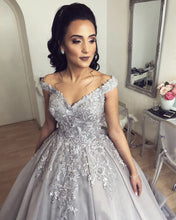 Afbeelding in Gallery-weergave laden, Elegant Wedding Dresses Ball Gowns Lace Embroidery Off Shoulder